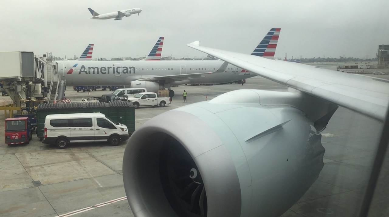 Review Of American Airlines Flight From Los Angeles To