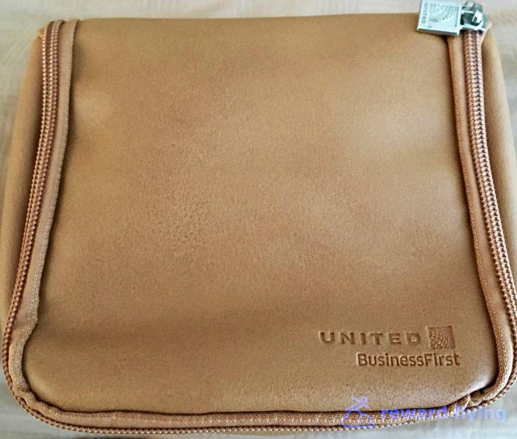 photo ua ewr-cdg amenity kit 1-1.