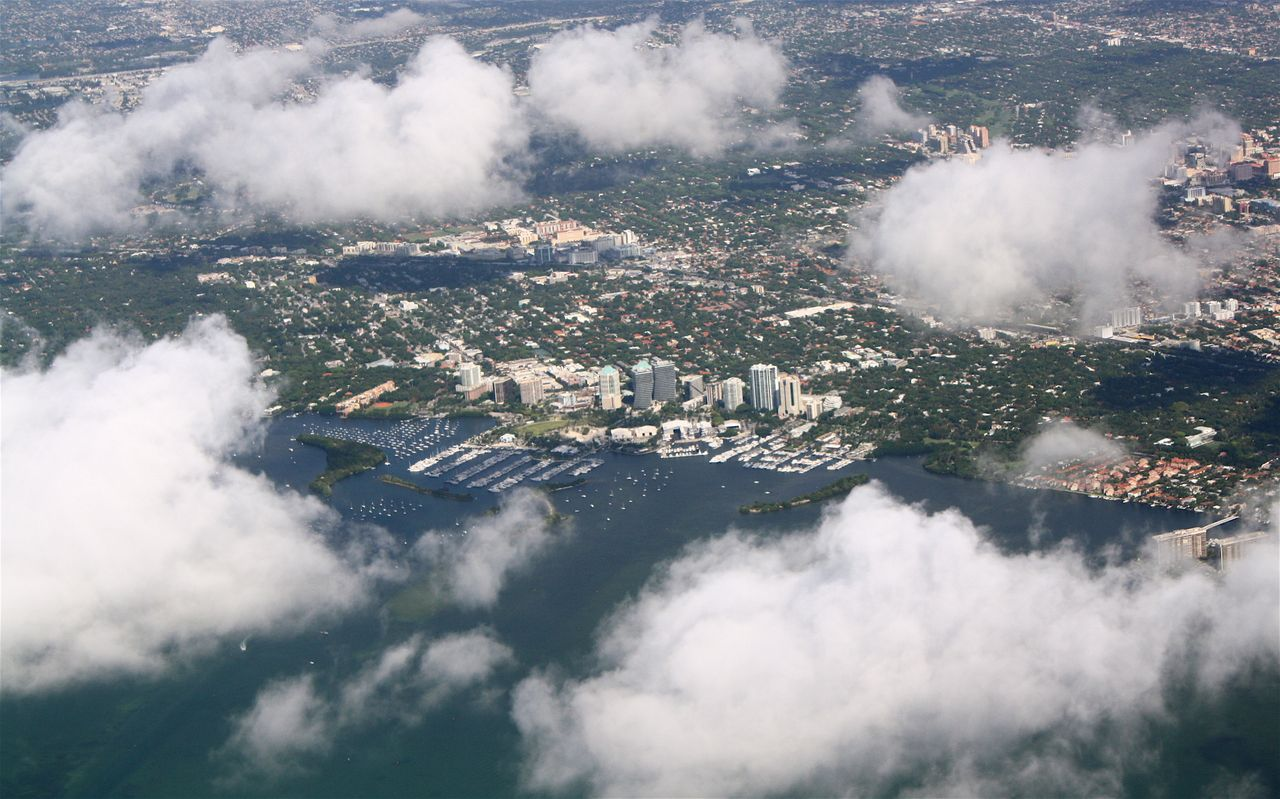 Review Of American Airlines Flight From Miami To Panam 225