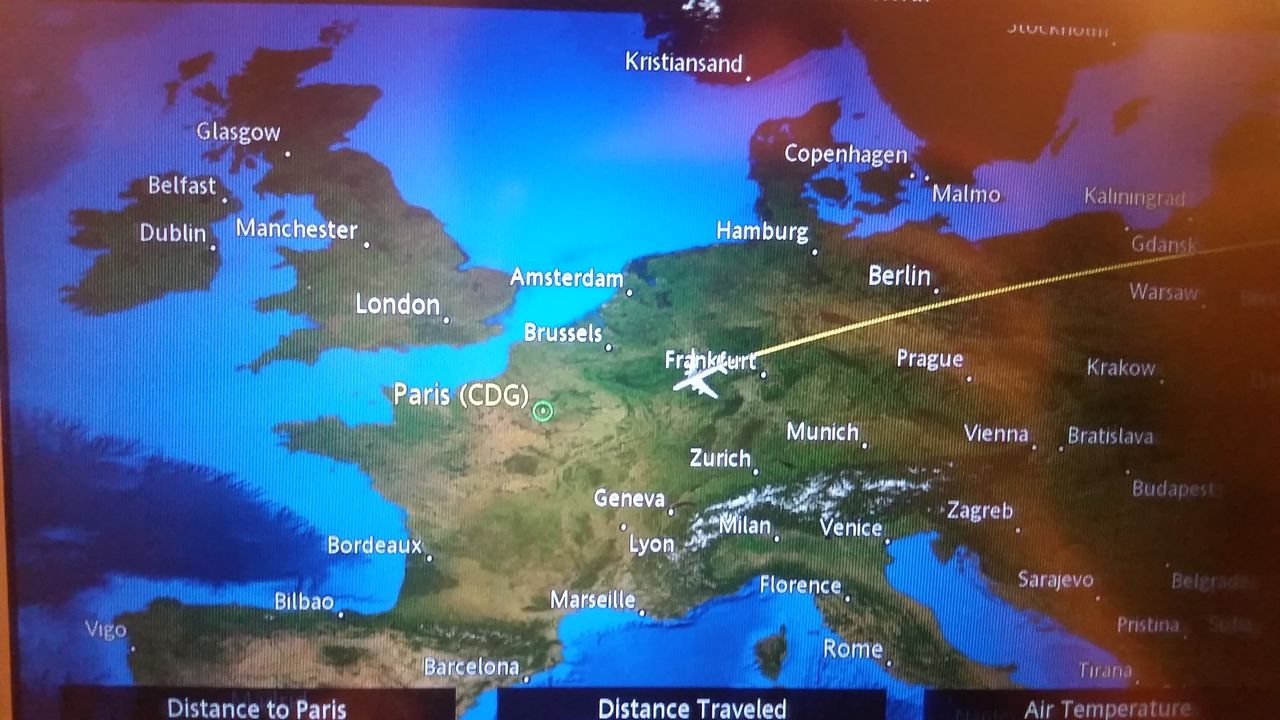 Review of Singapore Airlines flight from Singapore to Paris in Economy