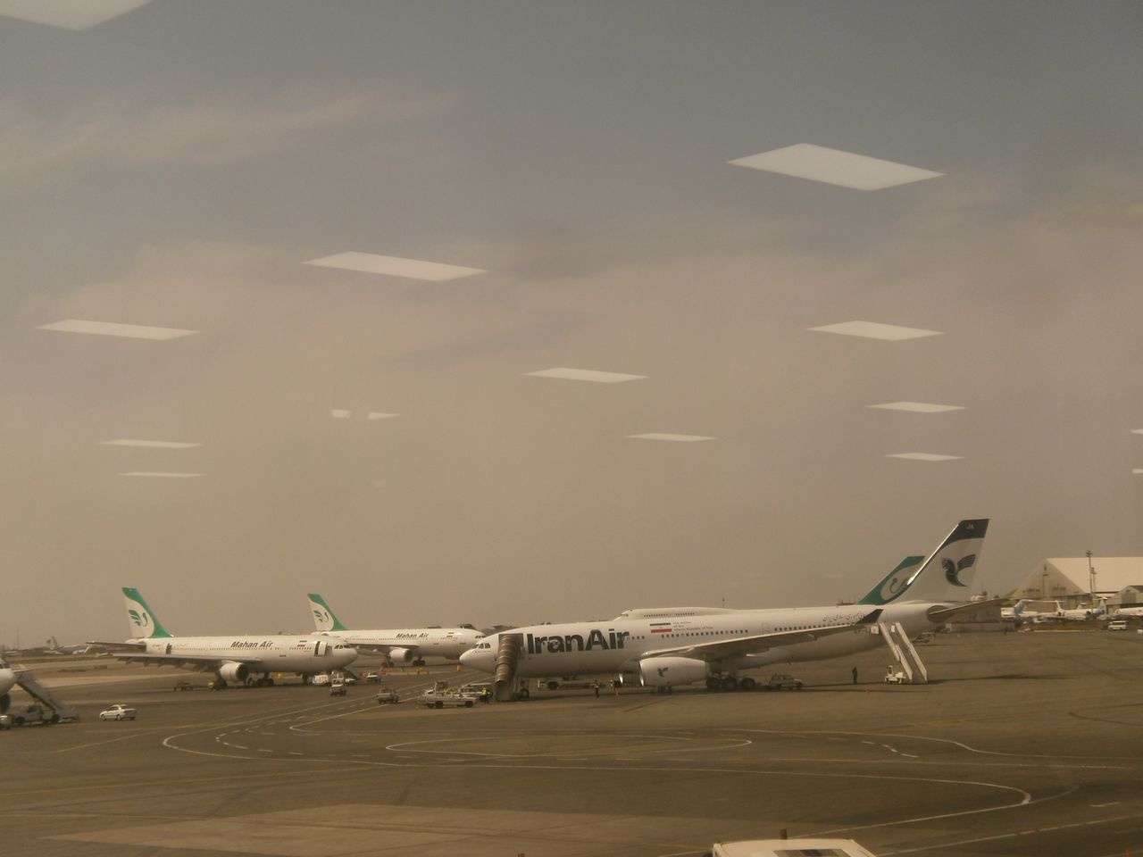 photo a330 and mahan
