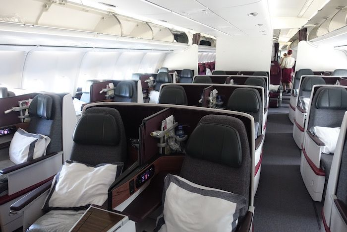 photo qatar-airways-a340-business-class-2