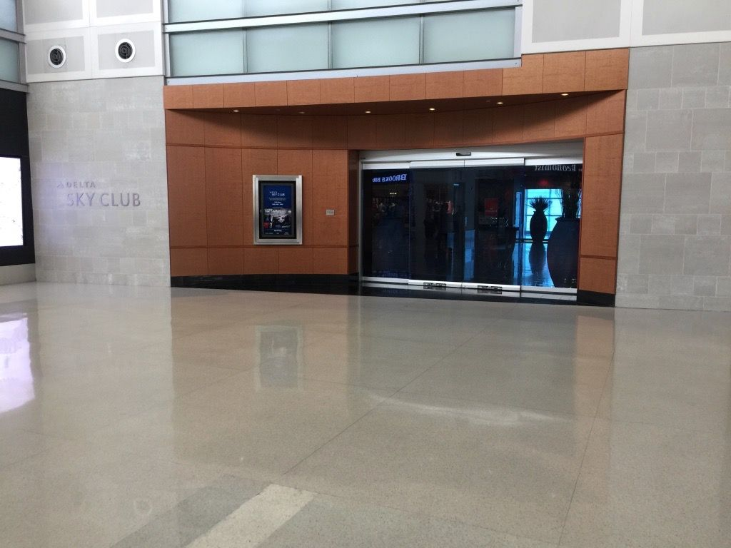 Review of Delta Air Lines flight from Detroit to Shanghai in