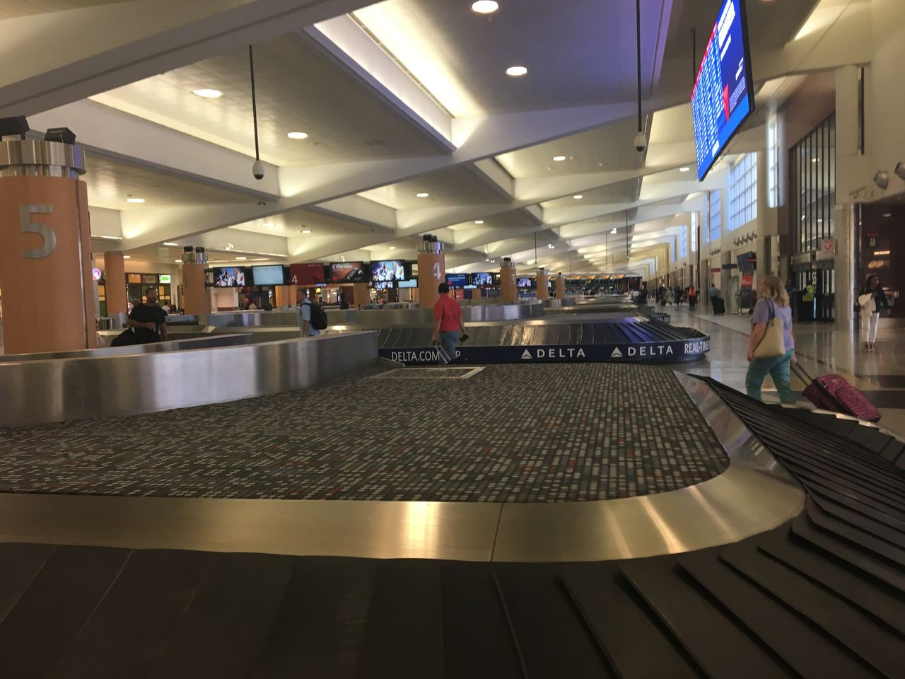 Review of Delta Air Lines flight from Atlanta to New York in