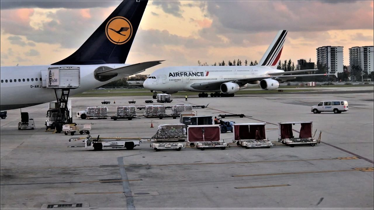 photo a380 air france miami - paris.mp42018-02-04 18-29-51.250