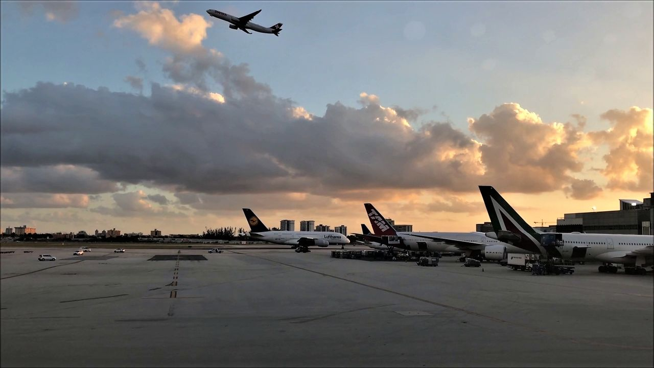 photo a380 air france miami - paris.mp42018-02-04 19-16-53.007