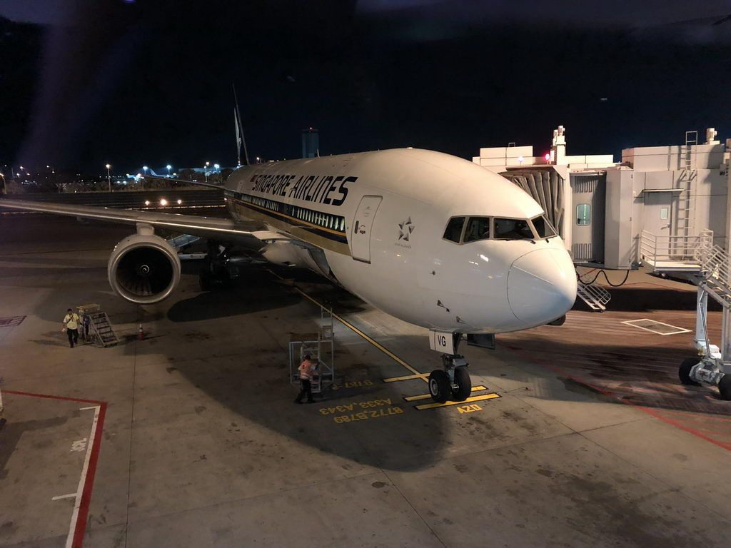 Review of Singapore Airlines flight from Bangkok to Singapore in ...