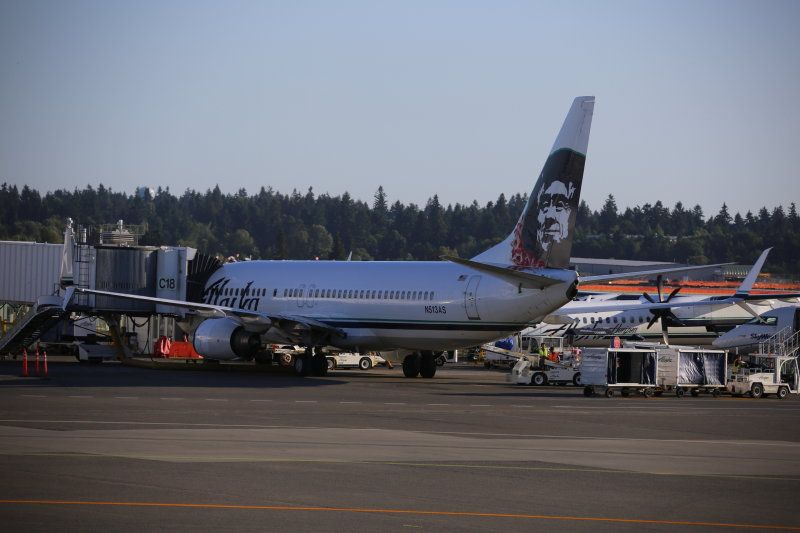 photo 005--- flight alaska airlines  seattle-anchorage 16_1