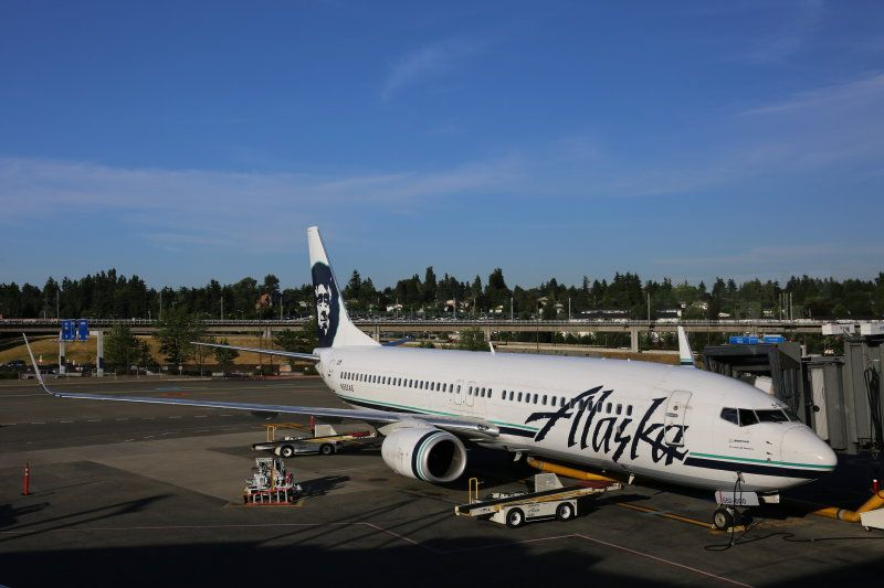 photo 005--- flight alaska airlines  seattle-anchorage 17_1