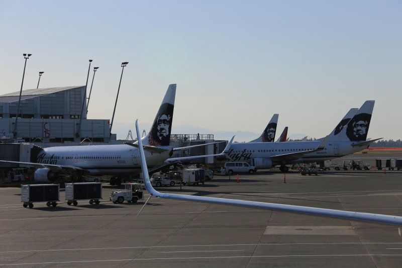 photo 005--- flight alaska airlines  seattle-anchorage 2_1