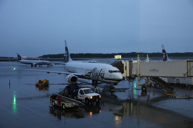 photo 005--- flight alaska airlines  seattle-anchorage 73_1