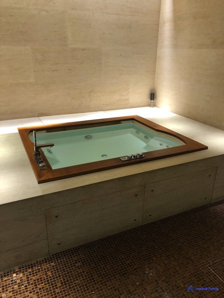 photo qr doh fcl spa jacuzzi