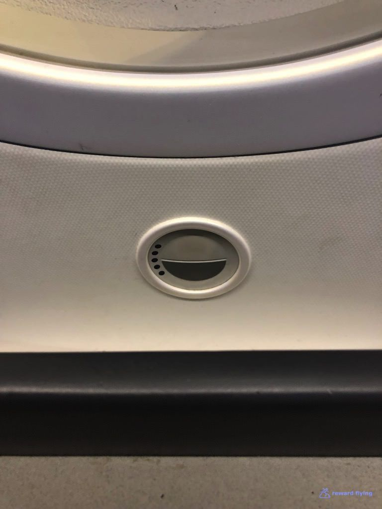 photo aa84 seat window