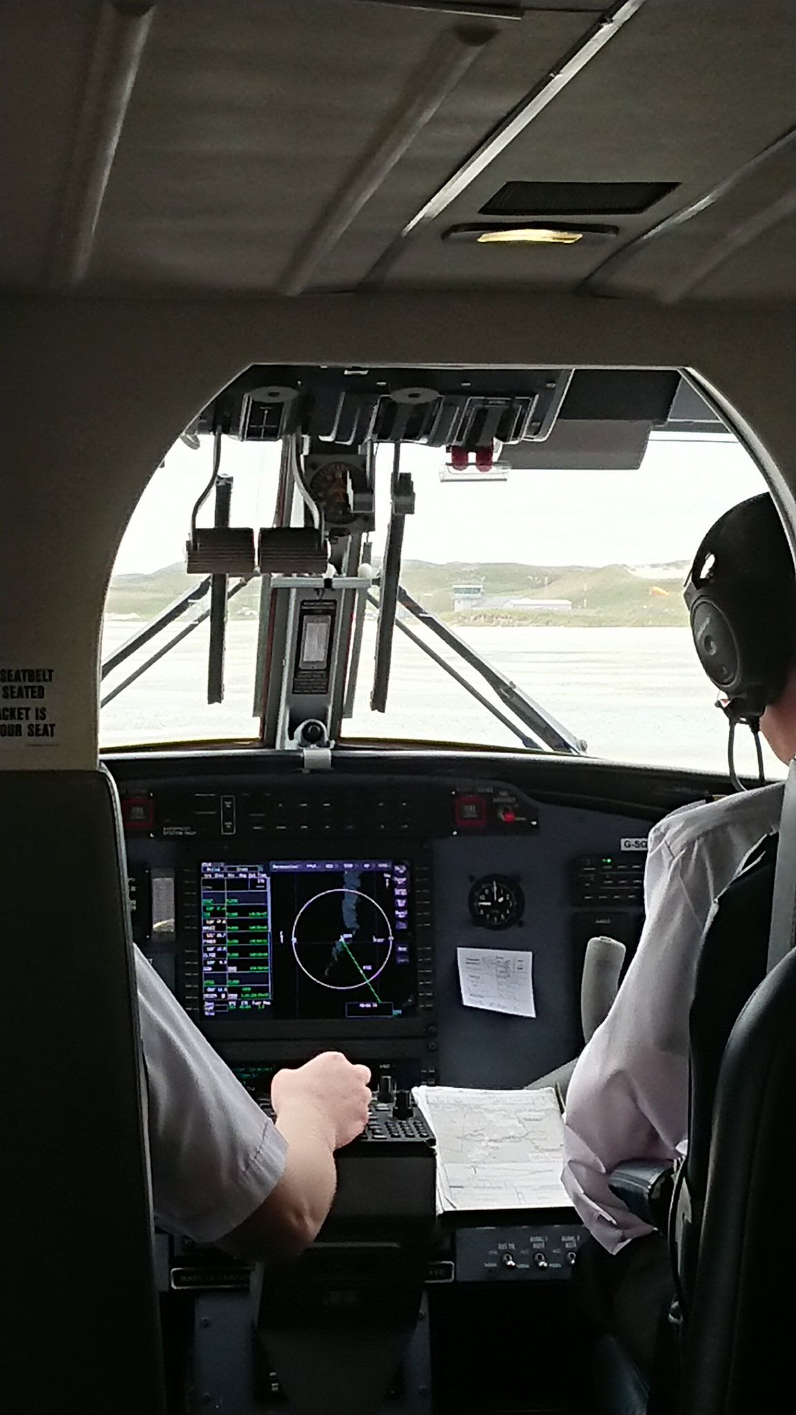 photo cockpit at landing