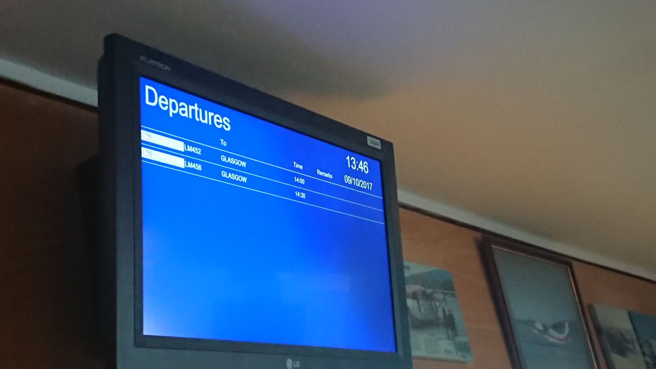photo departure board