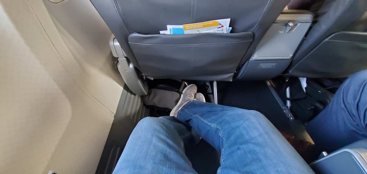 Review Of American Airlines Flight From Chicago To Santa