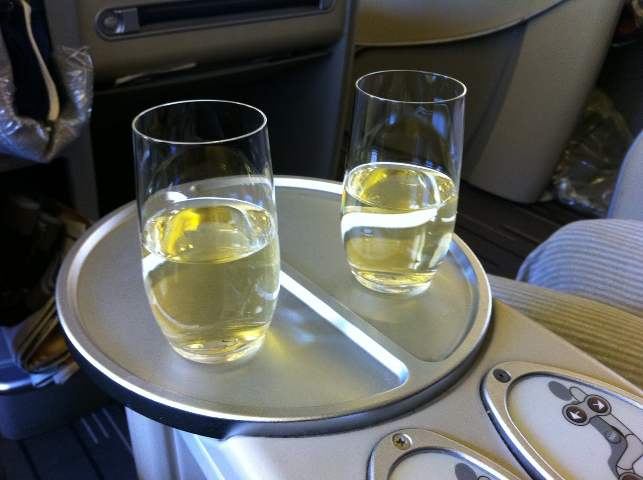 photo 12-fev-business-class-champagne1