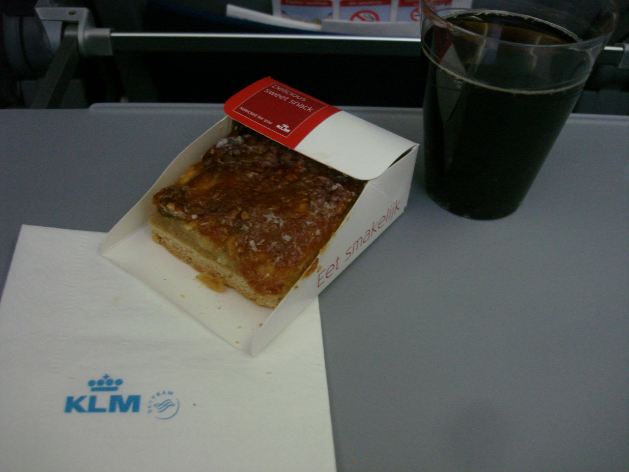 photo 27-sept-flightlunch-vue-suite-inflight-snacking2