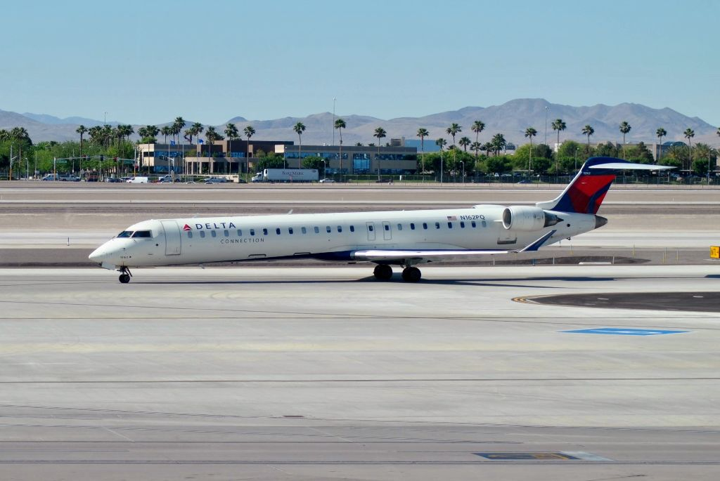 Review Of Delta Skywest Flight From Las Vegas To Los Angeles In First