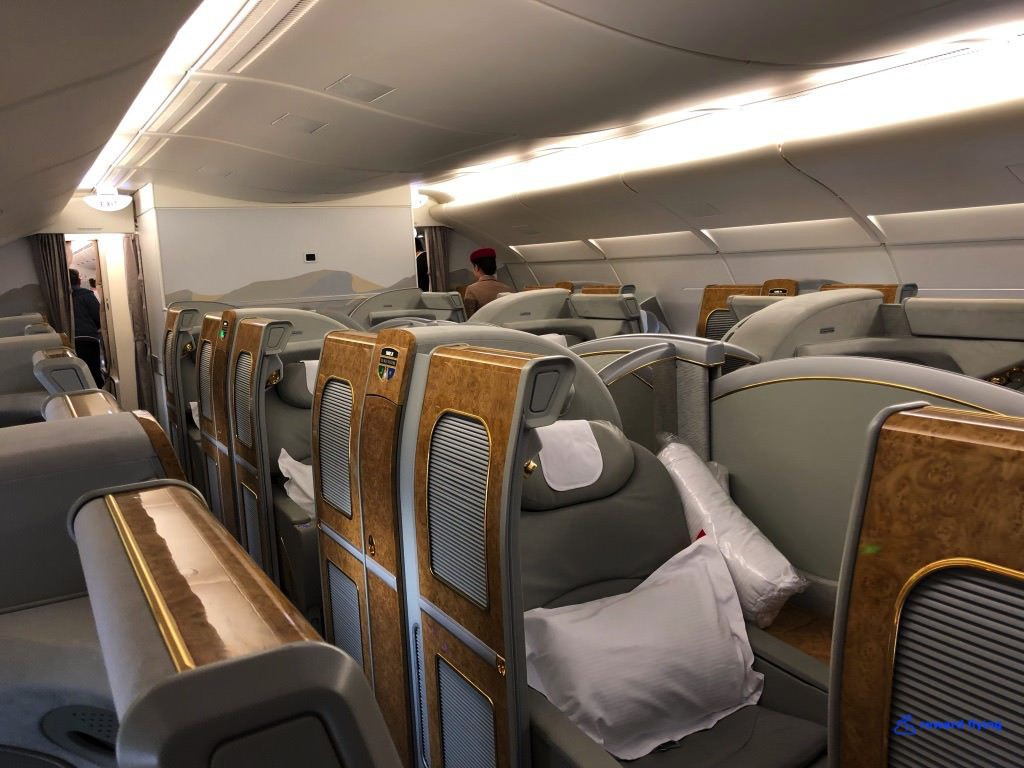 photo ek383-cabin-2