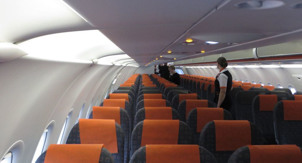 grossiste 8bc22 e420e Review of EasyJet flight from Paris to Nice in Economy