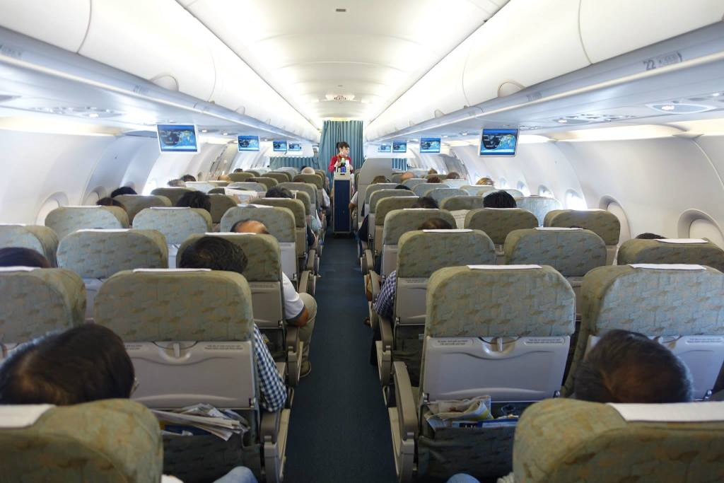 Review of Vietnam Airlines flight from Singapore to Ho Chi Minh City ...