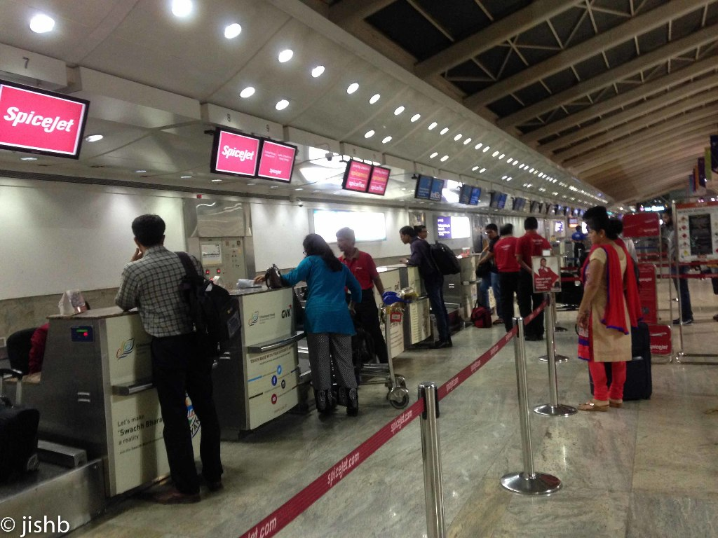 Review of Spicejet flight from Mumbai to Hyderabad in Economy
