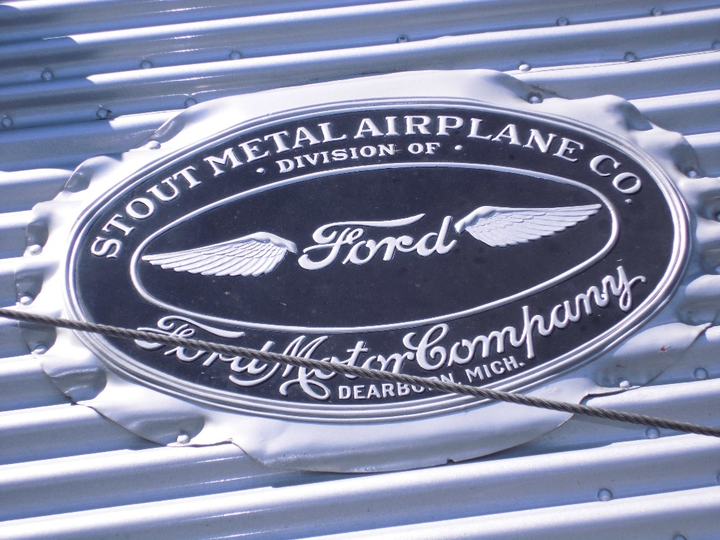 photo 37 FORD TRI  PLAQUE