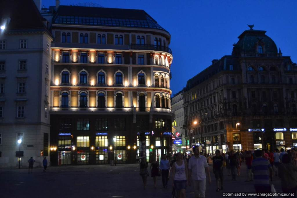 Cheap Flights from Athens, Greece to Vienna - FareCompare